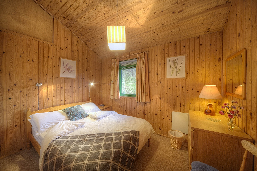 Golden_Mary_1000_-_0I5D7621_Master_Bedroom_SMALL.jpg