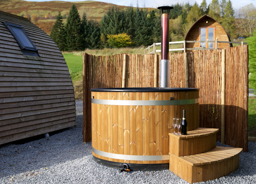 premium-wigwams-with-hot-tub-10.jpg