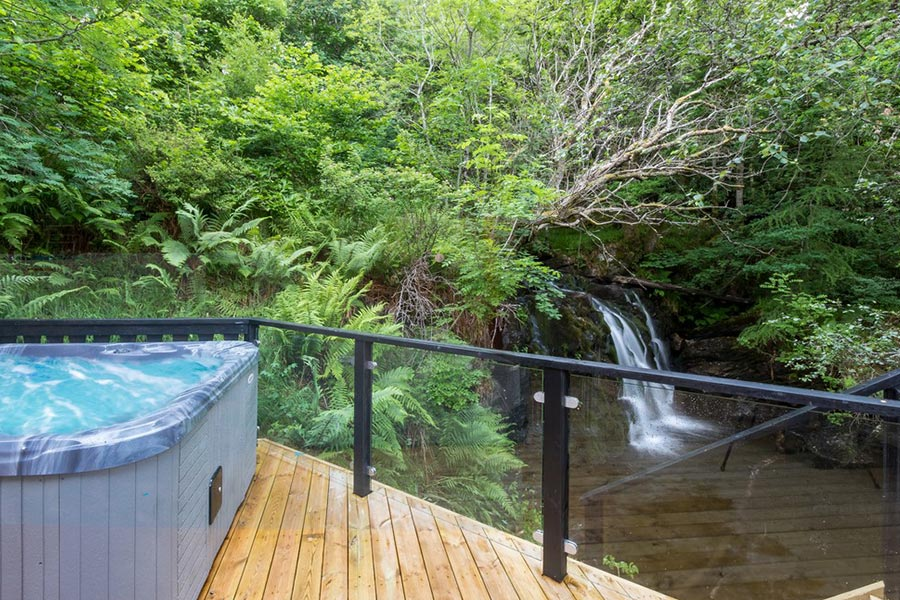 waterfall-lodge-03a.jpg