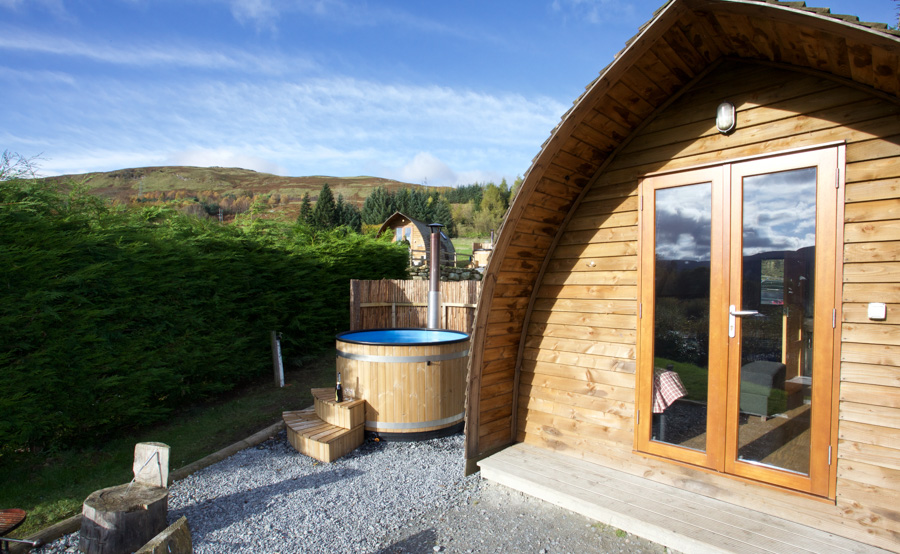 premium-wigwams-with-hot-tub-5.jpg