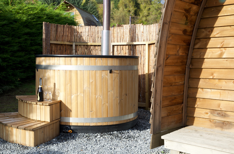 premium-wigwams-with-hot-tub-4.jpg