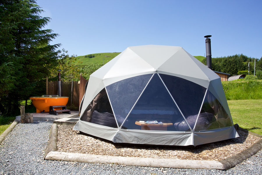 dome-with-hot-tub-4.jpg